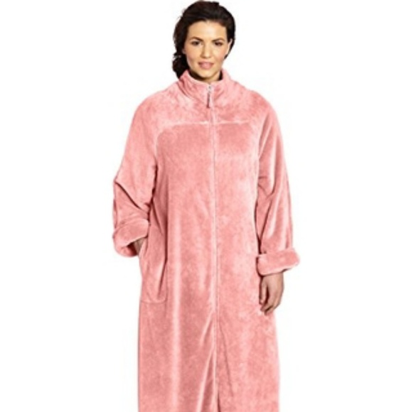 Casual Moments 52 Zip Front Robe X Plus